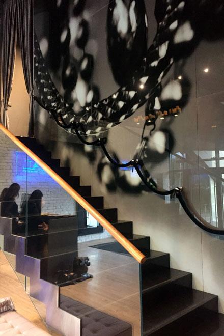 Лестница в ресторане Royal beach